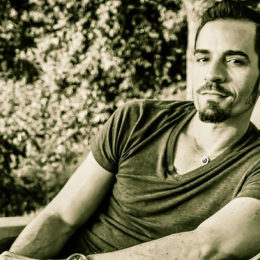 Actor boricua recibe premio al mejor actor en festival de cine francés
