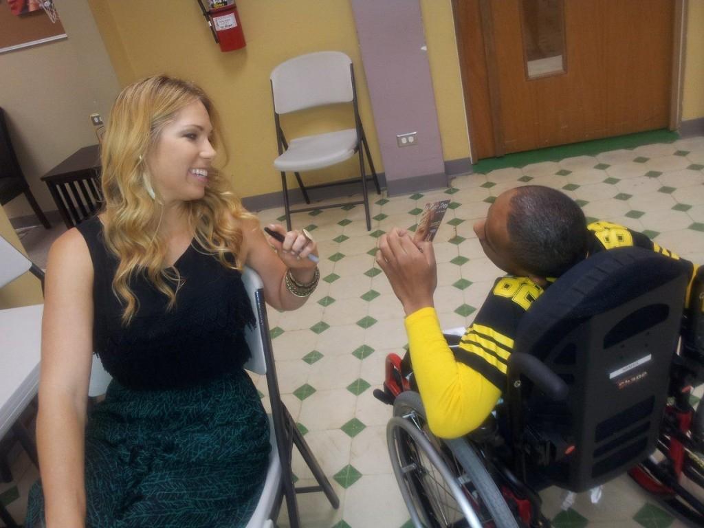 Pili Montilla visita el Hospital del Niño