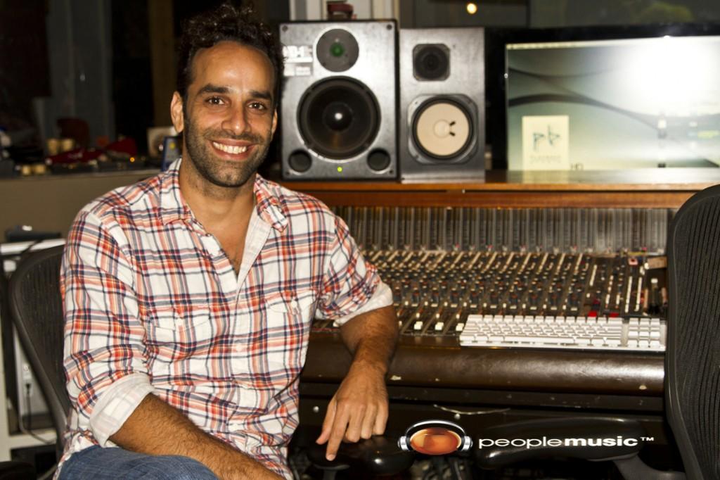 Omar Silva 'Por amor en el  caserio'