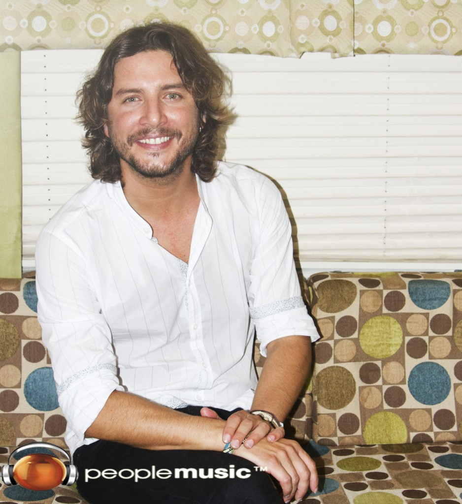 Manuel Carrasco para People Music