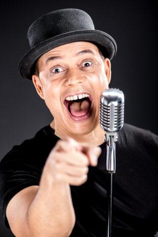 Alexis Valdés regresa con nuevo show ¡A que te ríes!