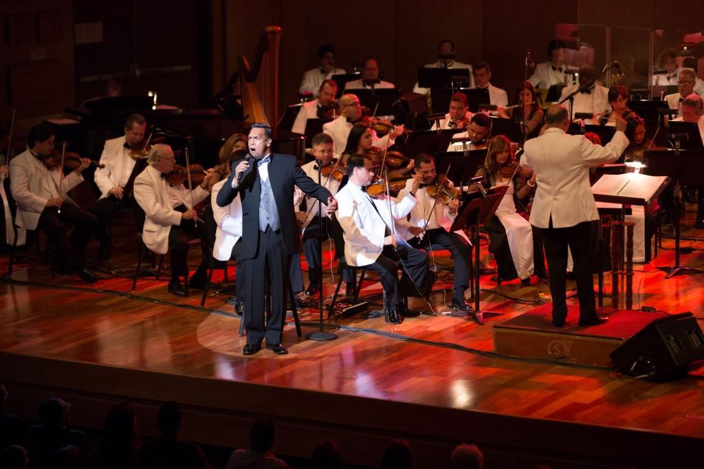 René González y la Filarmónica enriquecen espíritus