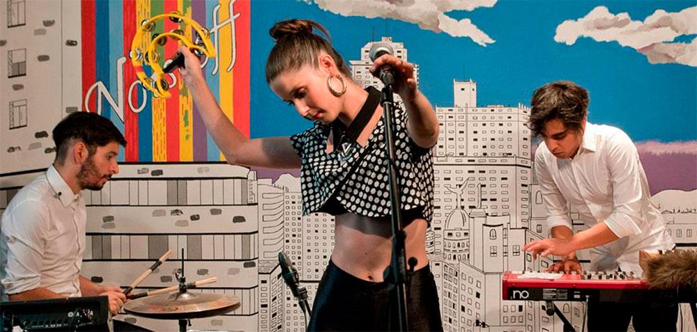 Francisca Valenzuela concluye su gira por España en el Arenal Sound Festival