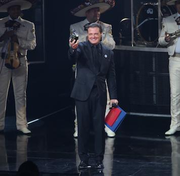 Luis Miguel es galardonado con importante premio en Las Vegas