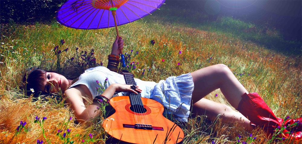 Rozalén presenta su nuevo single: 'Comiendote a besos'