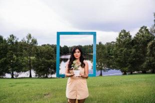 """Natalia Lugo estrena el video musical de """"Todos tenemos excusas"""""""