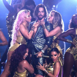 MALUMA CANTA EN LOS MTV VIDEO MUSIC AWARDS 2018