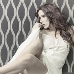 Malú presenta su nuevo single Quiero y conquista las listas de ventas