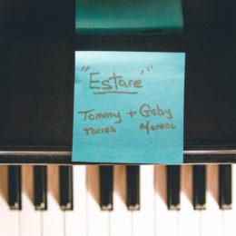 """Tommy Torres estrena su nuevo tema """"Estaré"""" junto a Gaby Moreno"""