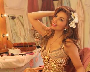 """Thalía estrena el video de su nuevo éxito """"Desde Esa Noche"""" junto a Maluma"""