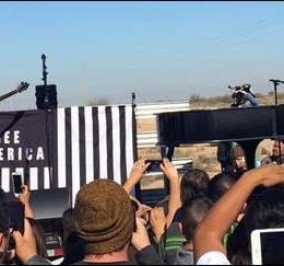 John Legend & Juanes Lanzan Llamado para Frenar la Detención de Inmigrantes