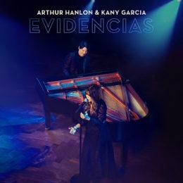 ARTHUR HANLON junto a KANY GARCÍA