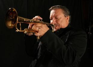 El Ganador de 10 Premios Grammy e Ícono del Jazz ARTURO SANDOVAL