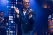 GILBERTO SANTA ROSA REGRESA CON ÉXITO Y SOLD OUT