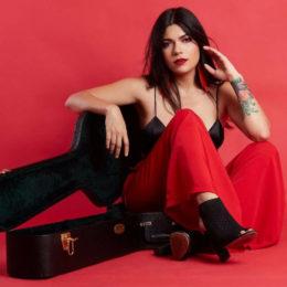 Íntima Natalia Lugo en su debut en el Centro de Bellas Artes