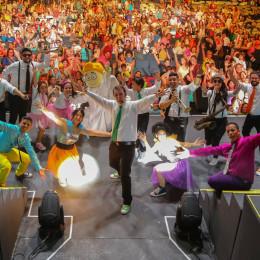 ATENCION ATENCION ARRANCA CON EXITO EN ARECIBO SU GIRA DE ANIVERSARIO 2015